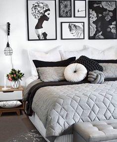 25 Black and White Bedrooms Interior Design Trends for 2019 Bedroom Decoration black and white bedroom decor Nordic Bedroom, White Bedroom Decor, White Home Decor, Home Bedroom, Black Decor, Master Bedroom, Black White Bedrooms, Bedroom Black, Black Bedding