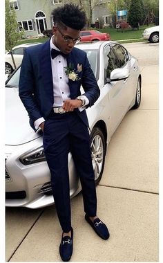 Classy outfits🤘🏽💯 boys prom suits, prom outfits for guys, prom clothes Homecoming Outfits For Guys, Grad Suits, Homecoming Suits, Prom For Guys, Prom Suits For Men, Navy Suits, Black Prom Suits, Prom Styles For Men, Navy Prom Suit