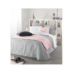 Hübsches Mädchen-Schlafzimmer in Weiß, Grau und Rosa. Wir lieben besonders die aufeinander abgestimmten Tagesdecken!