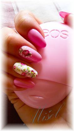 pink nails + E.mi foil