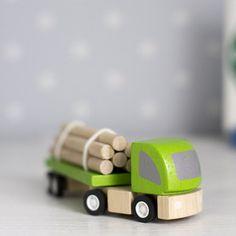 PLANTOYS ecological timber truck | MedvetenMini.se