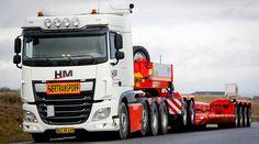 HM Logistik er på 10 måneder vokset fra to lastbiler til 15 – heriblandt en ny blokvogn, der kan flytte materiel op til 80 ton.