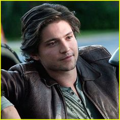 Thomas McDonell Joins 'The Hundred'
