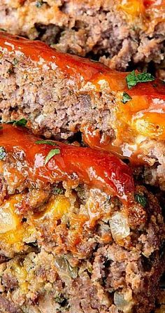 Cheddar Meatloaf Bacon Cheddar Meatloaf With pockets of gooey cheddar and crispy bacon, what's not to love about this meatloaf?Bacon Cheddar Meatloaf With pockets of gooey cheddar and crispy bacon, what's not to love about this meatloaf? Good Meatloaf Recipe, Best Meatloaf, Meatloaf With Bacon, Ground Pork Meatloaf, Stuffed Meatloaf Recipes, Bacon Cheeseburger Meatloaf, Homemade Meatloaf, Healthy Meatloaf, Ground Beef Recipes