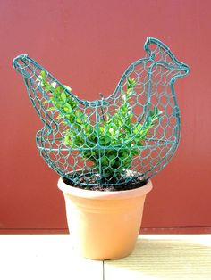 Topiary Frame with Plant - Chicken/Hen - Coated Metal Garden Ornaments in Garden & Patio, Garden Ornaments, Statues & Lawn Ornaments | eBay
