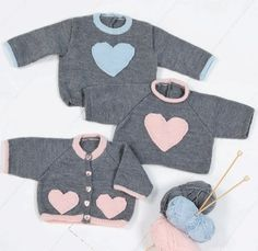 free knit pattern baby sweater in French Pull Crochet, Crochet Baby, Knit Crochet, Baby Knitting Patterns, Baby Patterns, Free Knitting, Cardigan Bebe, Pull Bebe, Baby Sweaters