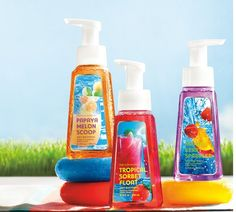 Make a splash with NEW summer-inspired Hand Soaps — Tropical Sorbet Float, Papaya Melon Scoop & Mango Berry Sparkler! ♥ #LUVBBW