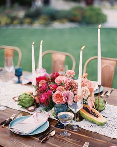 A Cool, Eclectic Wedding in the California Desert – Wedding Centerpieces Peonies Wedding Centerpieces, Summer Centerpieces, Wedding Decorations, Centrepieces, Decor Wedding, Gift Wedding, Classic Wedding Flowers, Winter Wedding Colors, Rose Wedding