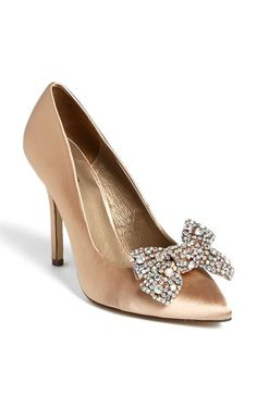 Free shipping and returns on Menbur Pointy Toe Bow Pump at Nordstrom.com. A crystalline bow adds spotlight-stealing sparkle to a pointy-toe pump crafted from silk and leather.