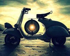 Antique, frequent, standard and Vintage Motorcycles - All of us will sell bikes associated with a special class! Moto Scooter, Vespa Ape, Piaggio Vespa, Lambretta Scooter, Vespa Girl, Scooter Girl, Vespa Motor Scooters, Bike Design, Vintage Motorcycles