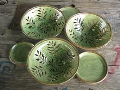 Dawn Tagawa, berry bowl leaves are the drainage