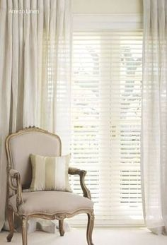 6 Luminous Tips AND Tricks: Living Room Blinds Venetian modern blinds architecture.Bedroom Blinds And Curtains bamboo blinds wood trim.Roll Up Blinds Window Treatments. Curtains Over Blinds, Sheer Blinds, Patio Blinds, Diy Blinds, Outdoor Blinds, Bamboo Blinds, Fabric Blinds, Blinds For Windows, Window Blinds