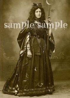 Vintage Photographs, Vintage Photos, Vintage Witch Costume, Vintage Halloween Photos, Gypsy Witch, Vintage Gypsy, Collage Sheet, Tag Art, Wiccan