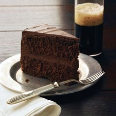Forget milk—stout is the         perfect pairing for this cake. Serve glasses         of the same brew you used in the cake         batter. Take it up a notch by adding a scoop         or two of vanilla ice cream to the beer for a         grown-up float.