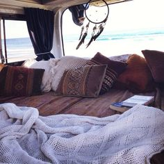 Volkswagon Van :: VDUB :: VW bus :: Volkswagen Camper :: The perfect vintage travel companion for the beach, surf, camping + summer road trips :: Free your Wild :: See more van travel style & inspiration Kombi Motorhome, Vw Camping, Glamping, Kombi Home, Am Meer, Vw Bus, Volkswagen, Airstream, My New Room