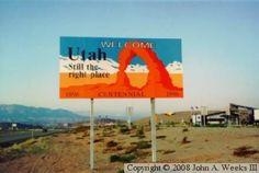 Utah State Line Sign