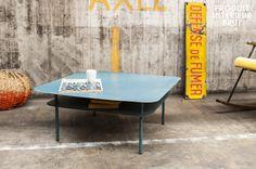 Table basse métal au design industriel. Table de salon pour une déco réto dans un style vintage