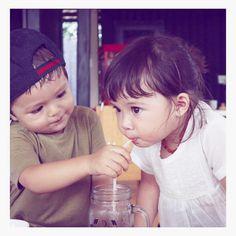 @Regrann from @inijedar: Jam segini masih shooting, tapi kalau lihat foto anak sehat, bermain dan bahagia. Rasa lelah, sakit apapun itu hilang.  @inijedar @alexanderbarackel  Pictured by @gadiiingmoto  #el #elbarack #jedar #jessicaiskandar #gempita #smartkid #happiness #groupie #cutebaby #boy #girl #baby #kid #cute #jakarta #indonesia - via #Regrann #repost