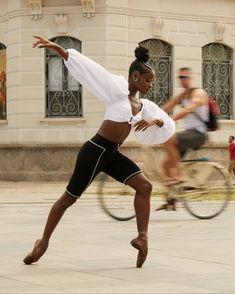 💃🏽 — ingrid silva photographed for ela o globo by pedro. Black Ballerina, Ballerina Dancing, Shall We Dance, Lets Dance, Flamenco Dancers, Ballet Dancers, Ballet Beautiful, Black Is Beautiful, Black Dancers