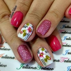 The nail designs for short nails are simple, very practical, safe and durable. Check our photo gallery with the best nail designs for short nails that are easy to make. Fall Nail Designs, Nail Polish Designs, Nail Manicure, Toe Nails, Karma Nails, Fingernails Painted, Nails Only, Polka Dot Nails, Flower Nails