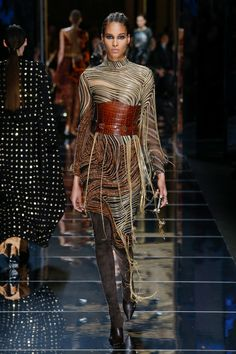 Runway #style review #PFW Fall17: Olivier Rousteing created an incredible Amazon woman for Balmain