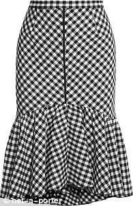 Take a cue from Olivia Palermo and don gingham this spring Frilly Skirt, Gingham Skirt, Ruffled Skirts, Skirt Outfits, Casual Outfits, Dress Skirt, Fashion Outfits, Women's Fashion, Black And White Skirt