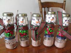 Homemade Christmas Presents: Snowman Hot Cocoa Jars