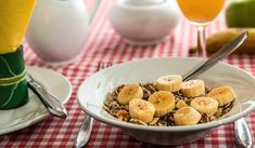Do you want to get more fiber in your diet but youre unsure where to start? Then Ive got you covered with my new post the top 10 fiber rich foods. Learn just how nutritious these foods are and how they can help with your diet. Read more here --> Banana Benefits, Fiber Rich Foods, Low Fat Diets, Fad Diets, Weight Loss Tea, Losing Weight, Weight Gain, Superfood, How To Lose Weight Fast