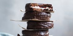 Biscuits aux chamallows enrobés de chocolat
