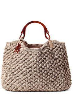 crochelinhasagulhas: crochet bag. Tiene un pequeño gráfico para hacer este punto.