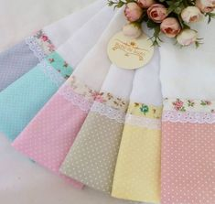 Baby Sewing Projects, Sewing Crafts, Hobbies And Crafts, Diy And Crafts, Dish Towel Crafts, Shower Basket, Baby Sheets, Cute Baby Gifts, Patchwork Cushion