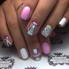 Here are some hot nail art designs that you will definitely love and you can make your own. You'll be in love with your nails on a daily basis. New Year's Nails, Hot Nails, Pink Nails, Manicure Nail Designs, Nail Manicure, Tribal Nails, Nagellack Trends, Mermaid Nails, Geometric Nail