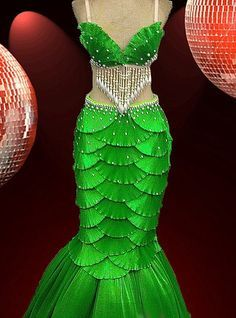 "CHARISMATICO Green Satin ""Scaled"" Shell Bra and Mermaid Tail Showgirl Burlesque Skirt - just make it much shorter for Ariel Little Mermaid Costumes, The Little Mermaid, Mermaid Costume Kids, Little Mermaid Dresses, Dance Costumes, Halloween Costumes, Cabaret Costumes, Drag Queen Costumes, Fancy Dress"