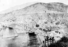 cariboo wagon road Bridge Construction, Chuck Wagon, History Facts, Old Pictures, Historical Photos, British Columbia, Vancouver, Paris Skyline, Canada