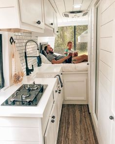 Camper Renovation 16395986132643926 - Source by madamezaza Van Conversion Layout, Van Conversion Interior, Camper Van Conversion Diy, Van Interior, Bus Living, Tiny House Living, Sprinter Van, Camper Life, Camper Caravan