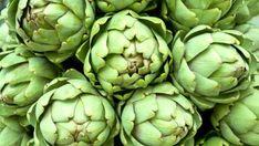 Los beneficios de las alcachofas y trucos para cocinarlas Artichoke, Vegetables, Baked Artichoke, Vegetables Garden, Fruits And Vegetables, Fiber Rich Foods, Eating Habits, Dietitian, Vegetable Recipes