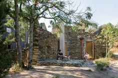 Ruin Reborn, southwestern France | Greg Blee of Blee Halligan Architects.