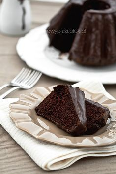 Chocolate Yogurt Cake with Chocolate Icing Chocolate Yogurt Cake, Chocolate Icing, Chocolate Recipes, Top Recipes, Sweet Recipes, Cake Recipes, Dessert Drinks, Dessert Bars, Cookie Desserts