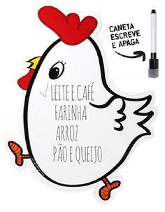 A lousa magnética galinha vem acompanhada de uma caneta escreve e apaga e dará um charme especial em sua cozinha, além de servir para anotar recados, compromissos, o que precisa comprar no mercado entre outros. #decorzziello #lousamagnética #lousamagnéticagalinha #imadegeladeira #portarecado #quadrodeanotações