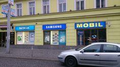 Había mercado con teléfonos.