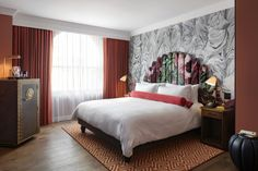 Riggs Washington DC is a luxury hotel with grandeur and grace Bright Dining Rooms, Home Design Magazines, Affordable Hotels, Hotel S, Two Bedroom, Cozy Bedroom, Magazine Design, Custom Furniture, Washington Dc