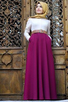 Pınar Şems Fuşya Sonbahar Elbise Tesettür Modeli ile ilgili tüm detayları buradan inceleyebilirsiniz