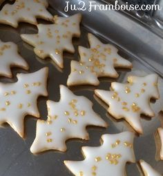 DIY Christmas gift idea: small boxes of homemade shortbread - noel Best Chocolate Chip Cookies Recipe, Sugar Cookie Recipe Easy, Keto Peanut Butter Cookies, Cake Mix Cookie Recipes, Oatmeal Cookie Recipes, Peanut Butter Cookie Recipe, Oreo Cheesecake, Homemade Shortbread, Homemade Biscuits