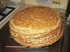 """Custard pancakes on kefir """"Vologda lace"""" INGREDIENTS 1 cup of yogurt 150 g flour 1 egg tsp soda 1 tablespoon vegetable oil cups of boiling Crepe Cake, Buttermilk Pancakes, Russian Recipes, Kefir, Food To Make, Sweet Tooth, Easy Meals, Food And Drink, Cooking Recipes"""