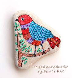 I finally finished another bird today. Having so much fun  #paintedstones
