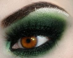 Bows and Curtseys...Mad About Makeup: Misty Moss