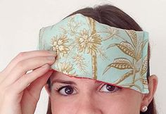 Easy DIY Projects for Teens to Make - Quick Sewing Tutorial for a DIY Eye Pillow - DIY Projects & Crafts by DIY JOY at http://diyjoy.com/quick-diy-projects-fast-crafts-ideas