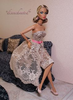 IMG_4525 Victroire Roux a fashion royalty doll new from Jason wu