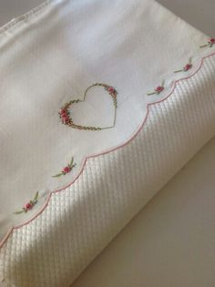 Getting to Know Brazilian Embroidery - Embroidery Patterns Hand Embroidery Dress, Baby Embroidery, Hardanger Embroidery, Embroidery Stitches, Embroidery Ideas, Stitch Crochet, Crochet Quilt, Baby Sheets, Heart Pillow
