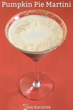 From mixthatdrink- The Pumpkin Pie Martini makes anytime feel like autumn. It blends vanilla and white chocolate with pumpkin puree and nutmeg, and has a graham cracker rim just to finish off the flavor to perfection. Vodka Drinks, Yummy Drinks, Alcoholic Drinks, Martinis, Martini Recipes, Cocktail Recipes, Drink Recipes, Top Recipes, Recipies